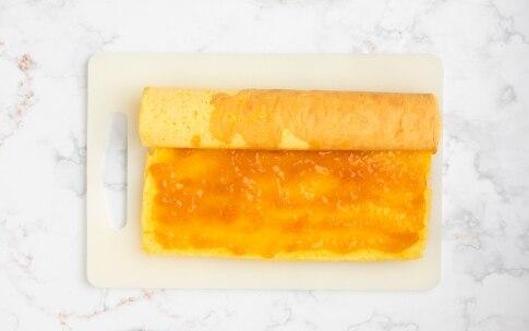 Preparazione Rotolo alla marmellata di albicocche - Fase 4