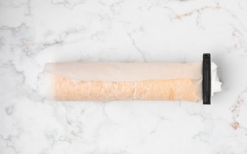 Preparazione Rotolo alla marmellata di albicocche - Fase 3