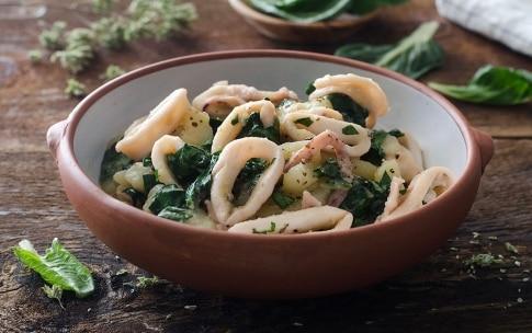 Preparazione Calamari con patate e bietole - Fase 4