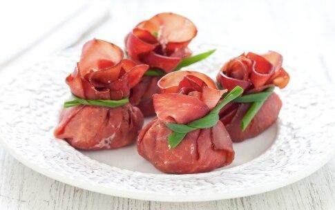 Preparazione Fagottini di bresaola con ricotta, rucola e noci pecan - Fase 2