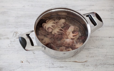 Preparazione Insalata di moscardini e fagiolini - Fase 1