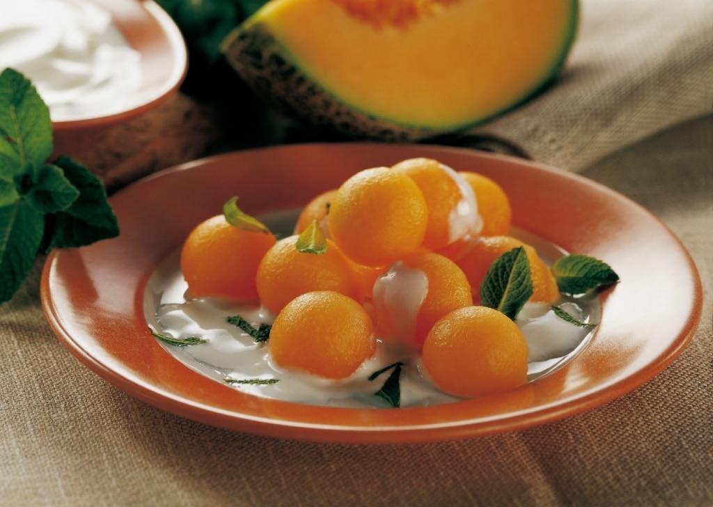 Palline di melone allo yogurt profumato alla menta