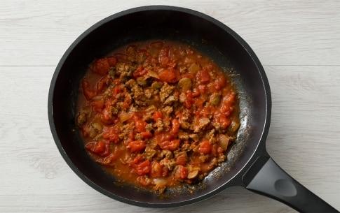 Preparazione Fettuccine con salsiccia all'aceto balsamico - Fase 1