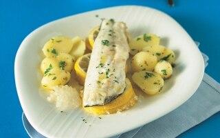 Branzino al limone e salsa di prezzemolo