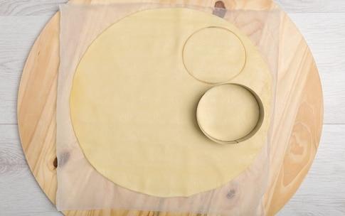 Preparazione Cestini di pasta brisée ripieni con crema al Grana Padano DOP - Fase 1