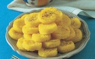 Piramide di polenta alla crema di baccalà