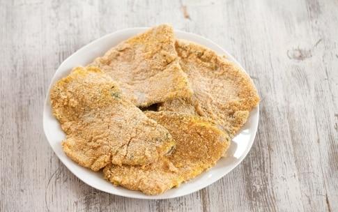 Preparazione Fette di pesce spada fritto - Fase 2