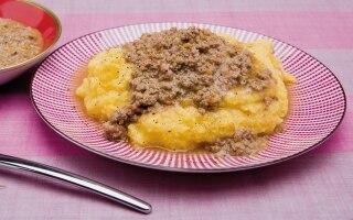 Polenta con ragù di maiale e salsiccia