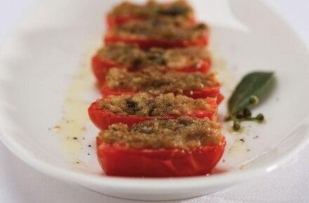 Pomodori grigliati con pâté di olive