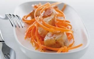 Carote all'arancia e filetti di coniglio