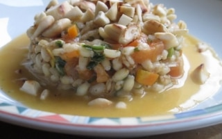 Orzotto vegetariano con le mandorle