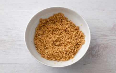 Preparazione Crostata cheesecake al lime e pinoli - Fase 1