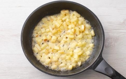 Preparazione Crostata alla crema e mele caramellate - Fase 3
