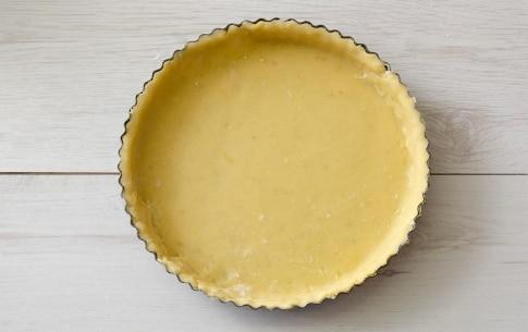 Preparazione Crostata con crema di mandorle e spicchi di limone - Fase 4