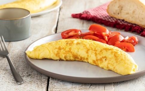 Preparazione Omelette (ricetta base) - Fase 3
