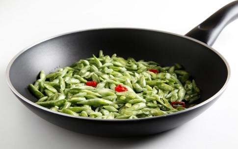 Preparazione Linguine di farro alle capesante, fagiolini e rapa rossa - Fase 2