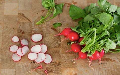 Preparazione Panino aringa e ravanelli - Fase 2