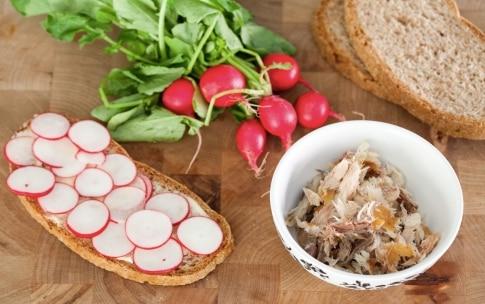 Preparazione Panino aringa e ravanelli - Fase 3
