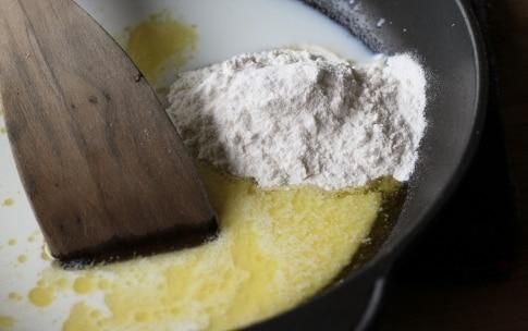Preparazione Torta di spinaci al salmone - Fase 2