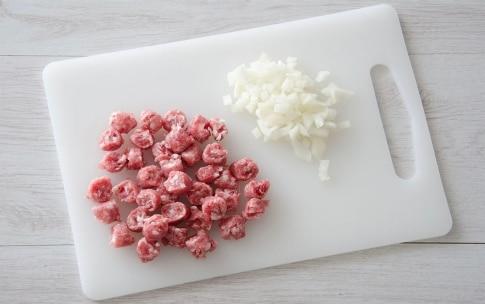 Preparazione Gnocchetti sardi con pomodoro e salsiccia - Fase 1