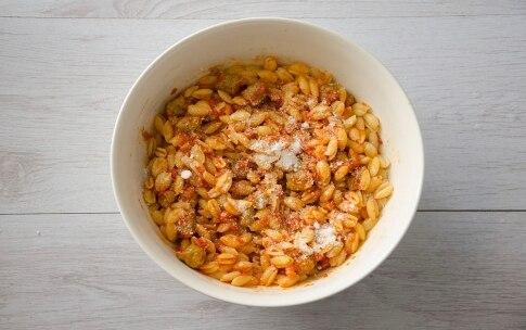 Preparazione Gnocchetti sardi con pomodoro e salsiccia - Fase 4