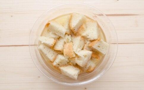 Preparazione Pappa al pomodoro - Fase 2