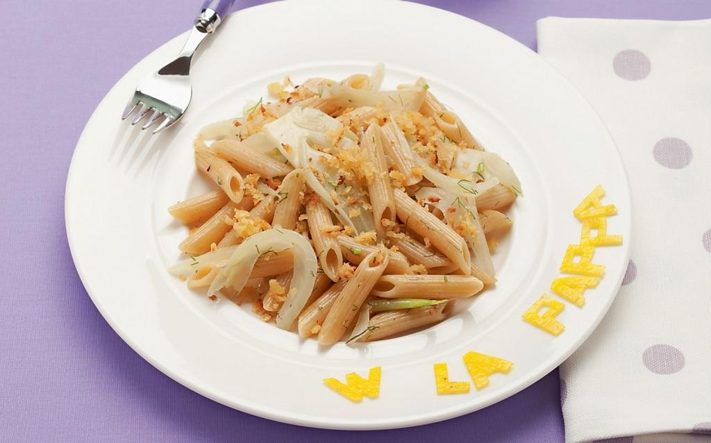Penne integrali con finocchi al limone e mollica fritta