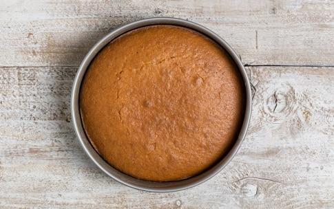 Preparazione Torta di farina gialla allo yogurt - Fase 3