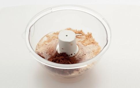 Preparazione Crema di nocciole e cioccolato - Fase 2