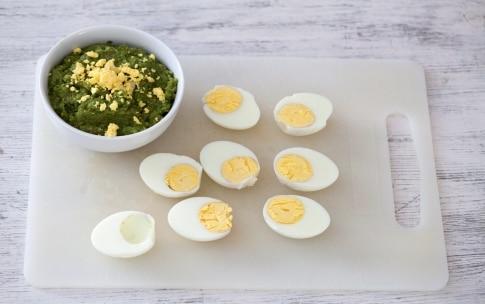 Preparazione Antipasto di uova sode ripiene - Fase 3