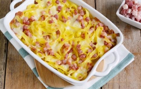 Preparazione Sformato di tagliatelle con pancetta e formaggio - Fase 3