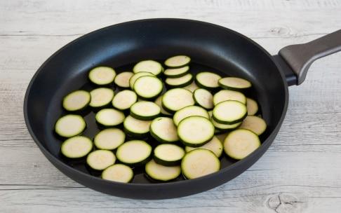 Preparazione Spaghetti alle zucchine - Fase 1