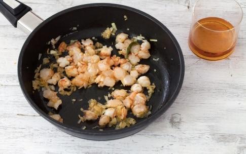 Preparazione Risotto ai carciofi e salsa di gamberi - Fase 2