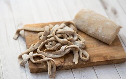 Preparazione Tagliatelle di castagne, pancetta e pecorino - Fase 2