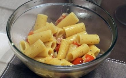 Maccheroni al pomodoro e pancetta