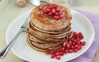 Pancake alle castagne e melagrane