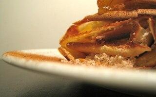 Crêpes con ragusano, marmellata e acqua di...