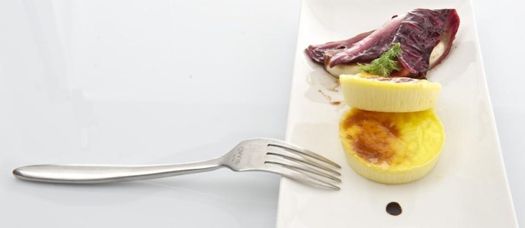 Flan di caprino con radicchio marinato al balsamico