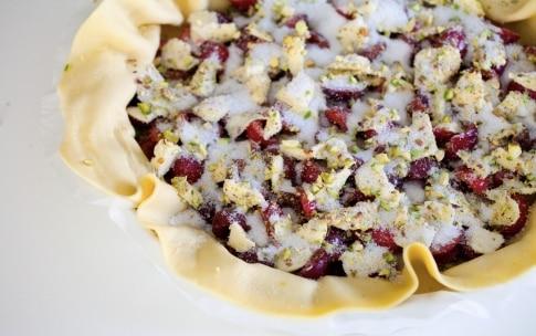 Preparazione Torta brisée alle ciliegie e pistacchi - Fase 3