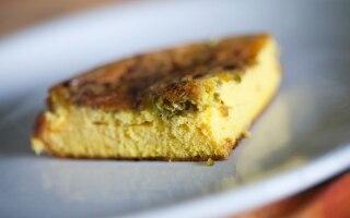 Frittata soffiata con granella di pistacchi