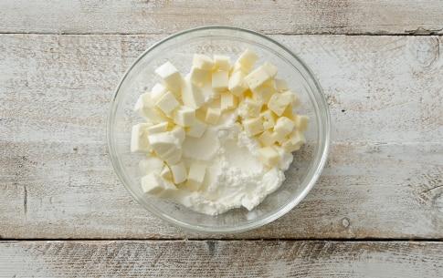 Preparazione Torta salata al formaggio - Fase 1