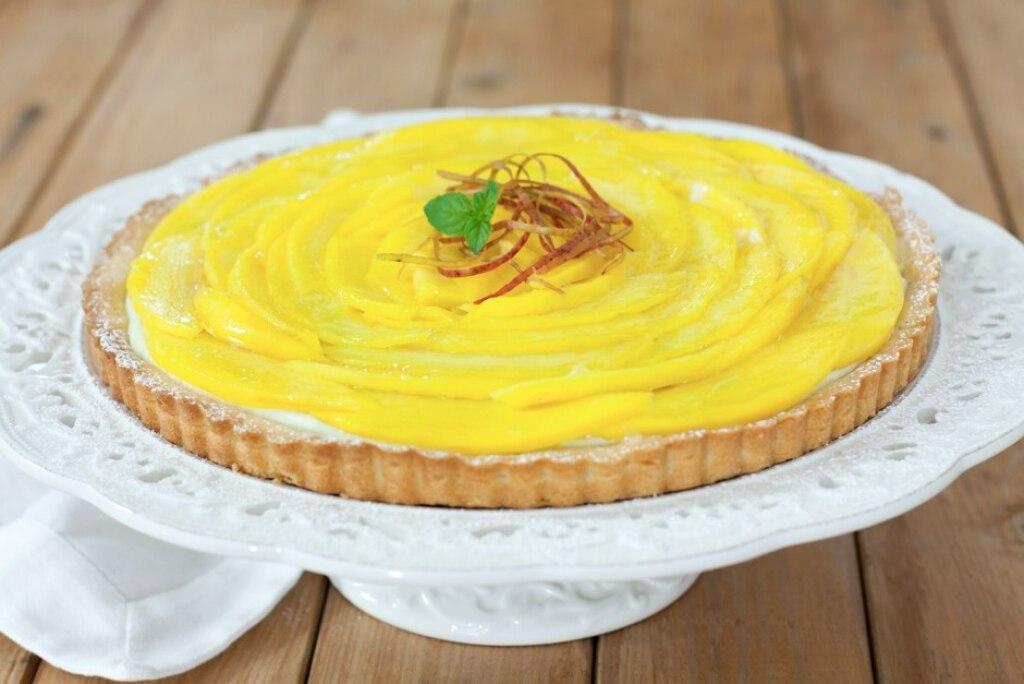 Crostata al mango, cioccolato bianco e sedano