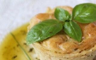 Tortino di patate al basilico e cipollina