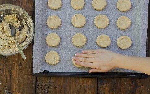 Preparazione Biscotti al caffè con cioccolato bianco - Fase 2