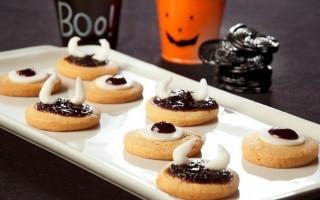 Frollini alla confettura di Halloween
