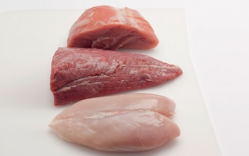 Preparazione Brodo di carne di pollo, vitello o manzo - Fase 1