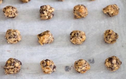 Preparazione Biscotti ai fiocchi d'avena con cioccolato e ananas - Fase 4