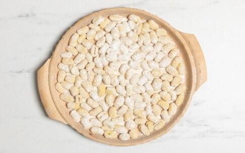 Preparazione Gnocchi di patate ricetta base - Fase 3