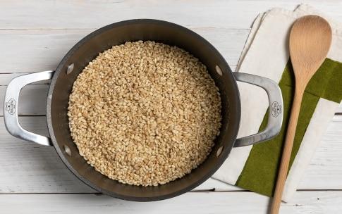 Preparazione Orzotto alla zucca con mandorle e rosmarino - Fase 1