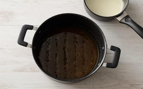 Preparazione Quadrotti al cioccolato fondente, mou e fior di sale - Fase 2